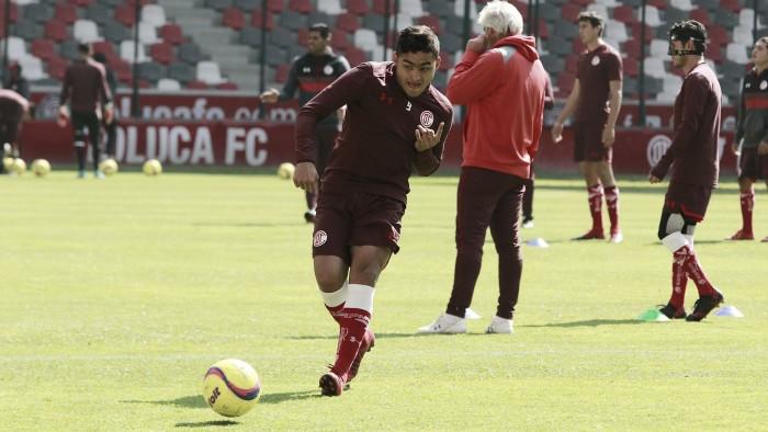 Toluca y Chivas empatan en debut del Clausura 2018