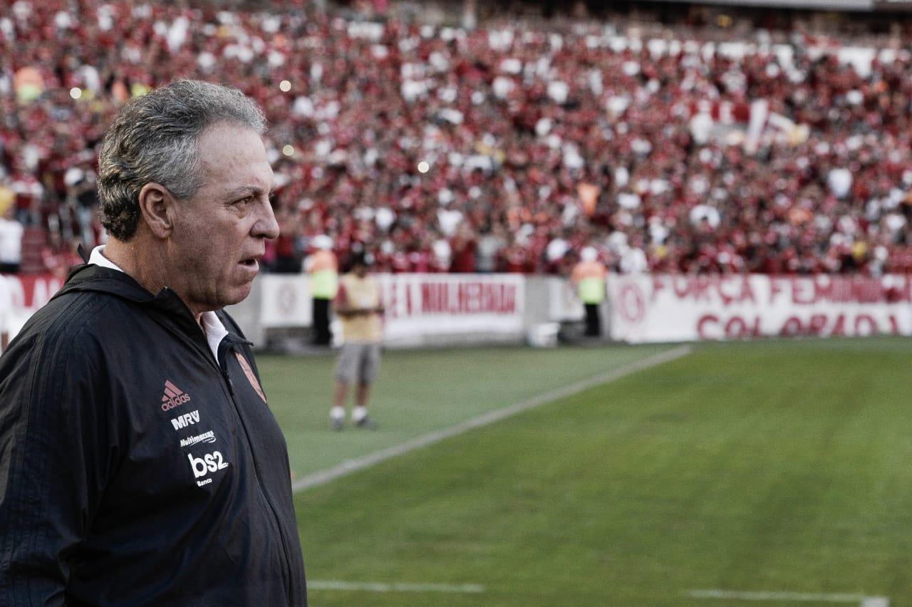 """Abel analisa revés do Flamengo em Porto Alegre: """"Erramos muito, mais do que o normal"""""""