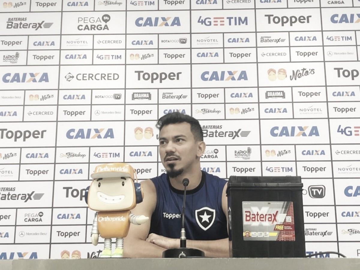 Rodrigo Lindoso comemora números pessoais dentro do Botafogo e mostra otimismo