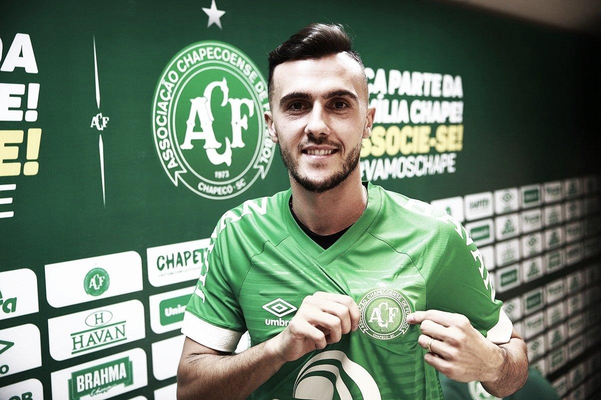 Gustavo Campanharo, ex Ludogorets-BUL, é apresentado pela Chapecoense