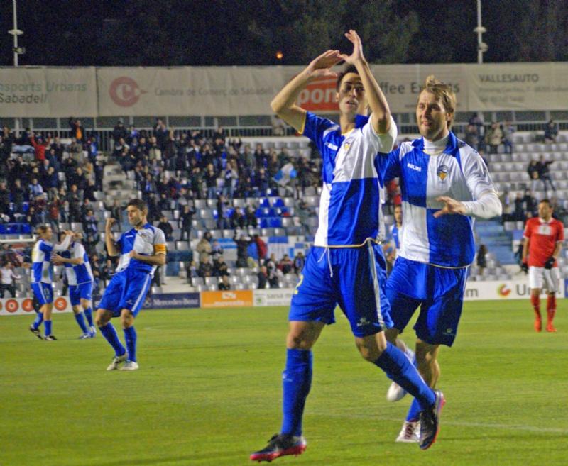 Lanzarote salva un punto en el último suspiro
