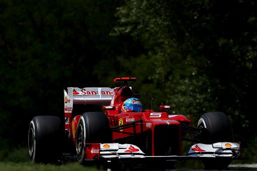 Alonso, líder en vacaciones