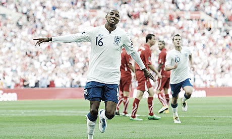 Inglaterra se encomienda a los goles de Ashley Young en la Eurocopa