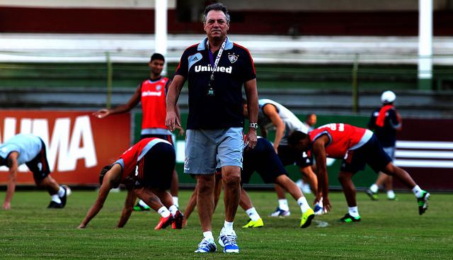Diante do Atlético-PR, atual campeão Fluminense estreia com reservas