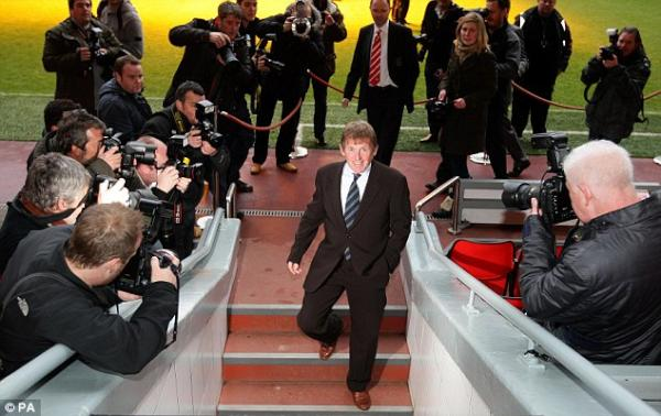 El Liverpool destituye a Kenny Dalglish