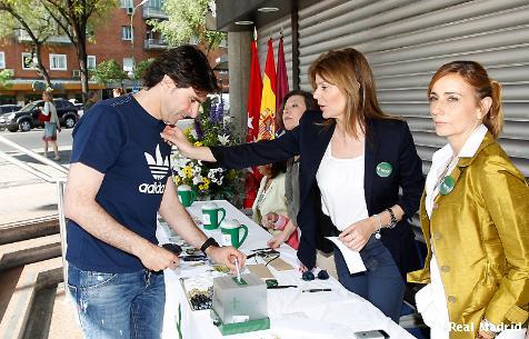 Real Madrid: mesa solidaria en la ayuda contra el cáncer