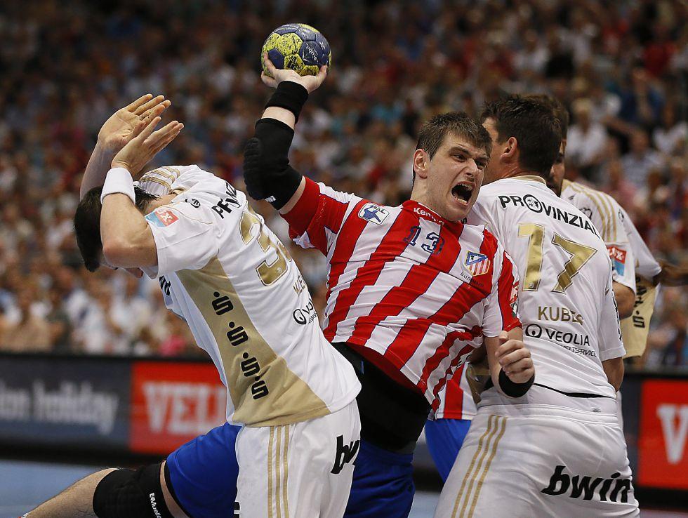 El BM Atlético de Madrid no puede con un rocoso Kiel