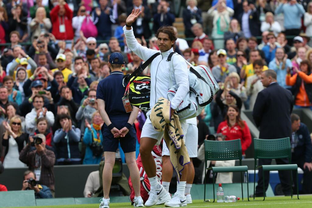 Nadal perde para 135º do mundo e é eliminado na 1ª rodada de Wimbledon