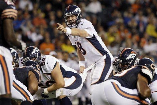 Peyton Manning regresa a la acción tras 19 meses y los Broncos se llevan la primera