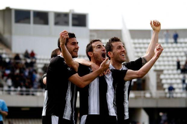 Cartagena 2-0 Real Jaén: liderato y golaveraje