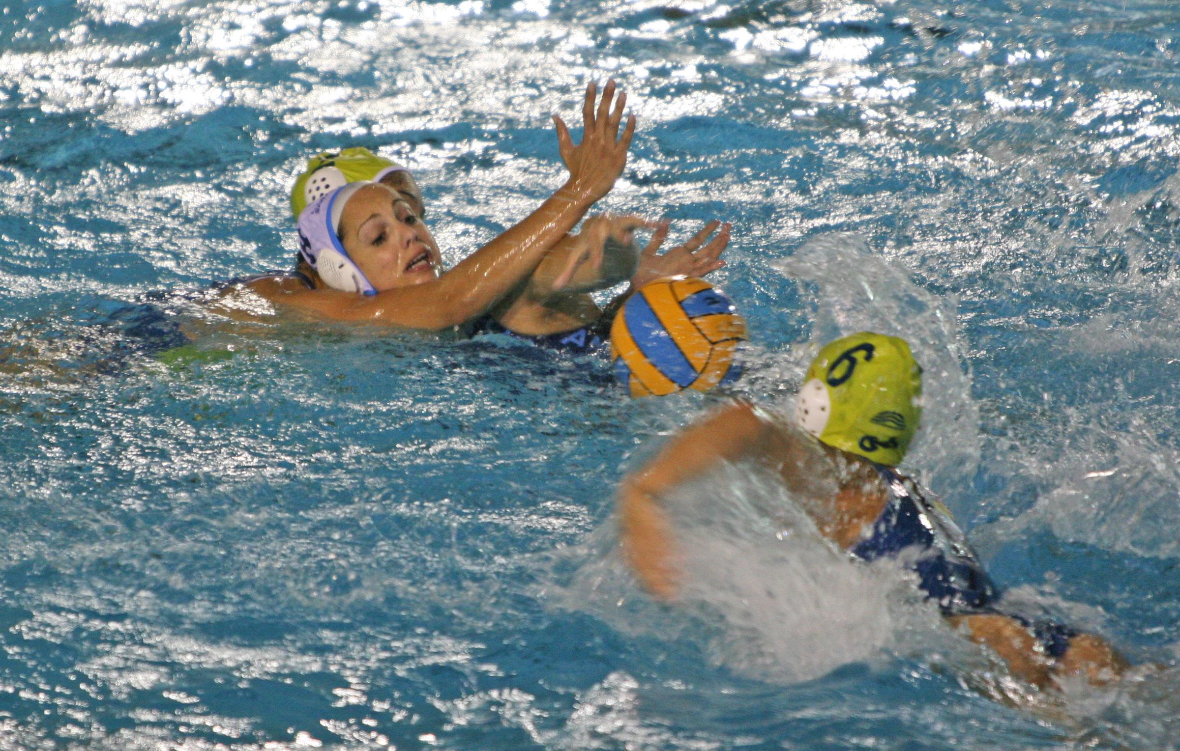 El Sabadell Astralpool toma ventaja en la final de la Divisón de Honor femenina de waterpolo