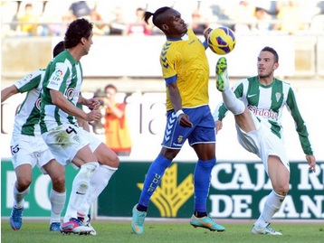 Vitolo hunde al Córdoba