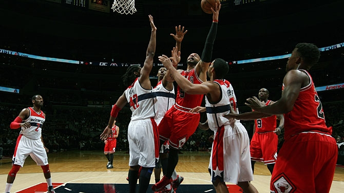 Com apenas três jogadores no banco, Bulls vai a Washington e sofre virada do Wizards