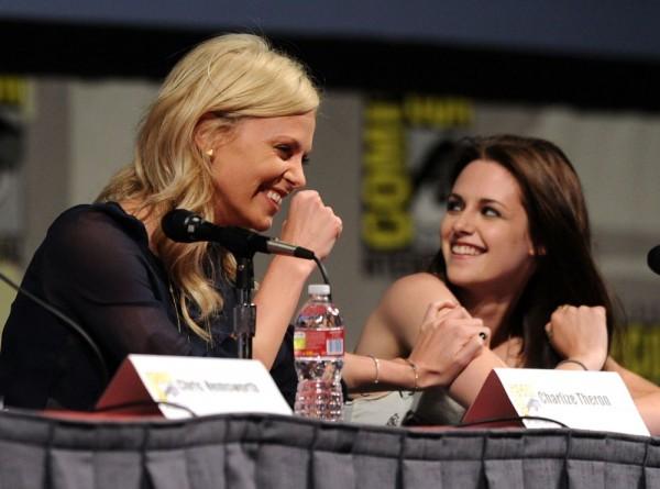 Charlize Theron y Kristen Stewart visitan 'El Hormiguero 3.0'