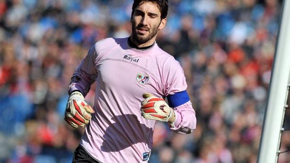 David Cobeño vuelve a Vallecas