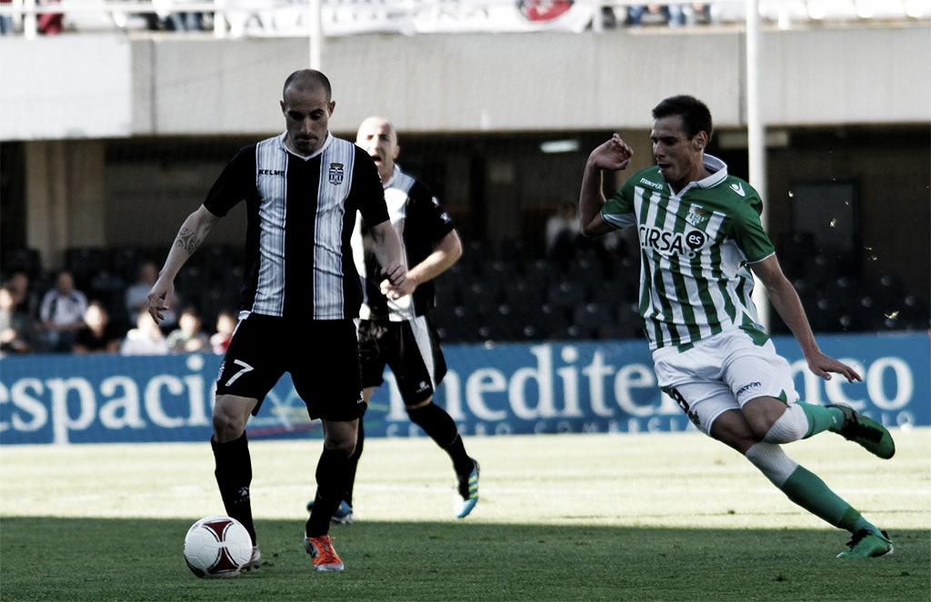FC Cartagena 1 - 1 Betis B: empate in extremis que no preserva el liderato