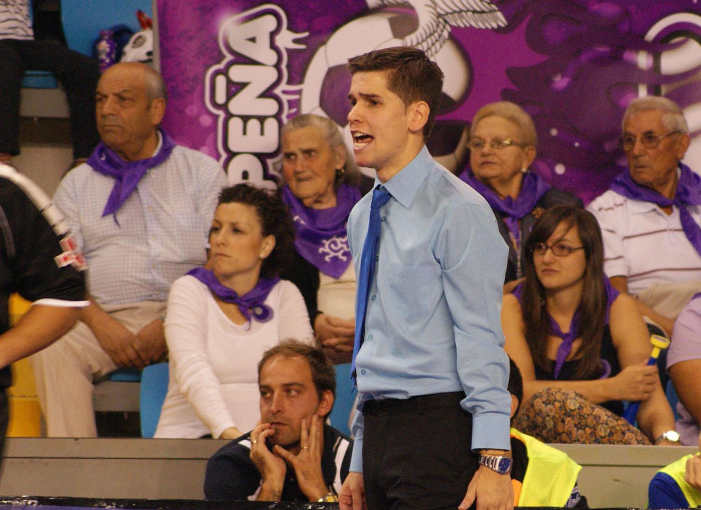 Diego Ríos continuará al frente de Azkar Lugo
