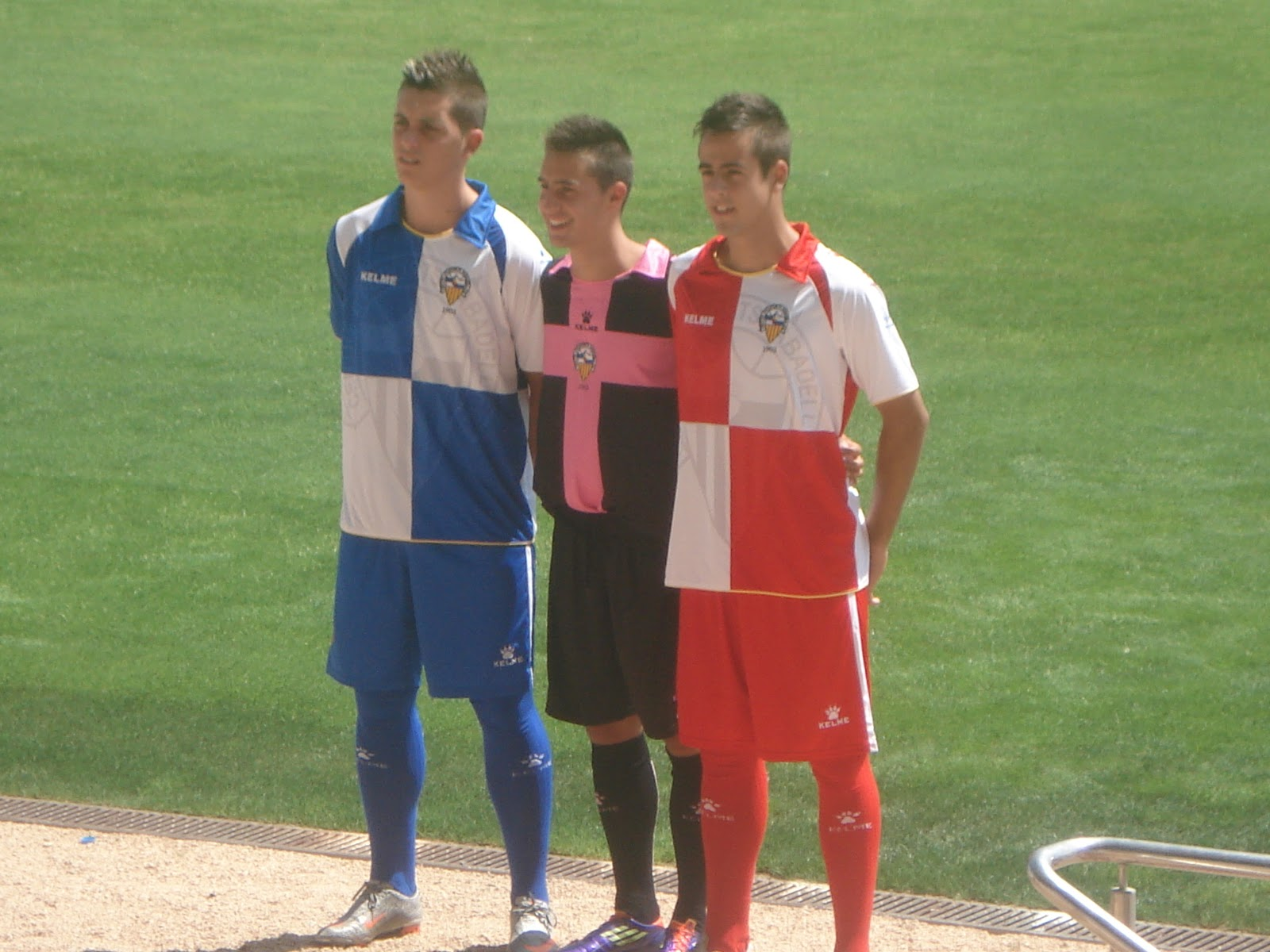 El Sabadell presenta sus nuevas equipaciones