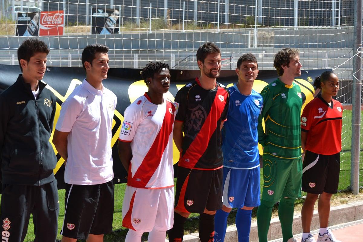 El Rayo Vallecano presenta las nuevas equipaciones para la temporada 2012/13