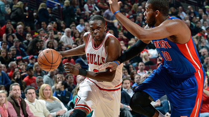 Chicago Bulls vence Pistons de virada