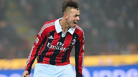 El Milán golea sin despeinarse