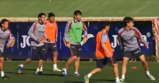 Víctor Ruiz y Valdez se reincorporan a los entrenamientos