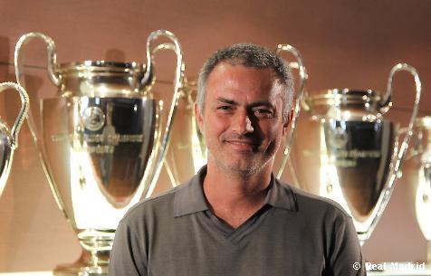 """Mourinho: """"Soy muy feliz; este es el reto perfecto"""""""