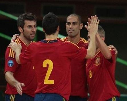 Kike y Alemao, únicas novedades en España