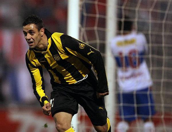 Peñarol recibe a la U de Chile con la obligación de ganar