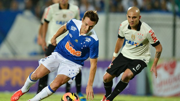 Apático, Corinthians é castigado no 2º tempo e perde em Minas