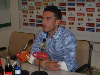 """Renovación. Fernández: """"Quiero jugar en Primera con el equipo de mi tierra"""""""