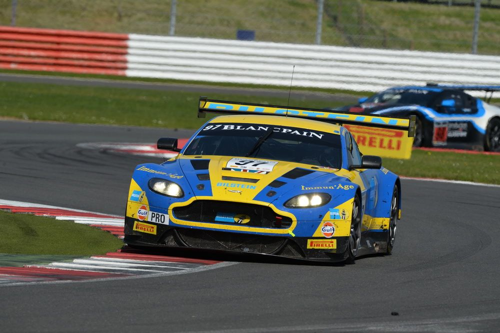 Blancpain : Aston Martin vainqueur logique à Silverstone