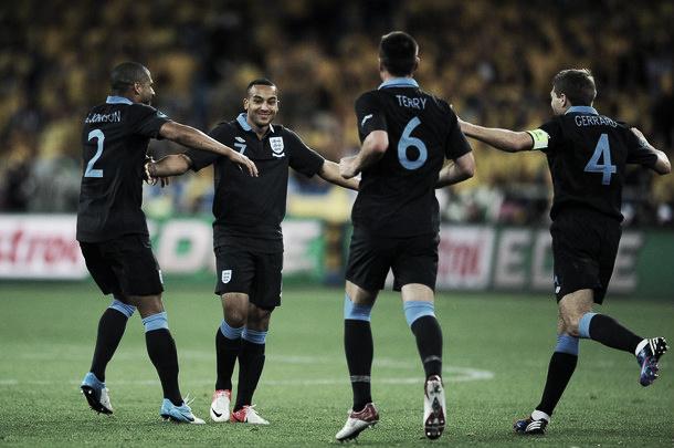 Walcott rescata a Inglaterra y manda a Suecia a casa