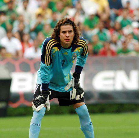 Guillermo Ochoa llegaría al Liverpool