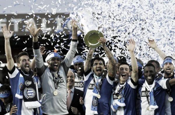 Lucho González y Otamendi campeones con el Porto