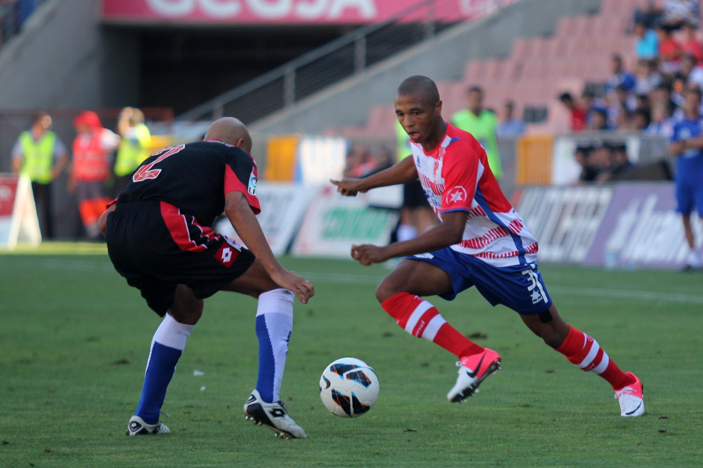 El Granada reacciona tarde en su 'duelo' ante el Dépor (1-1)