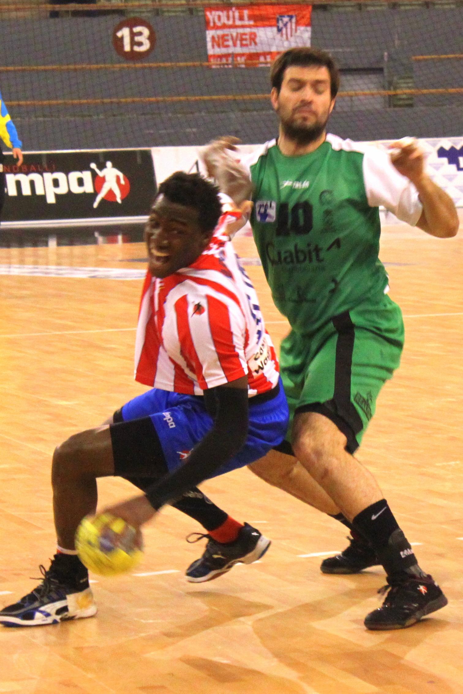 El BM Atlético de Madrid hace los deberes antes de jugar la Champions