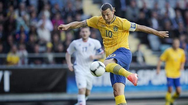 Ibrahimovic empieza a guiar a Suecia para la Eurocopa