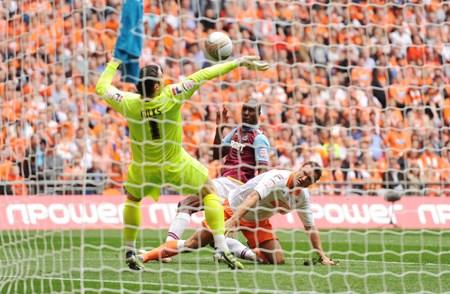 Il West Ham ritorna in Premier