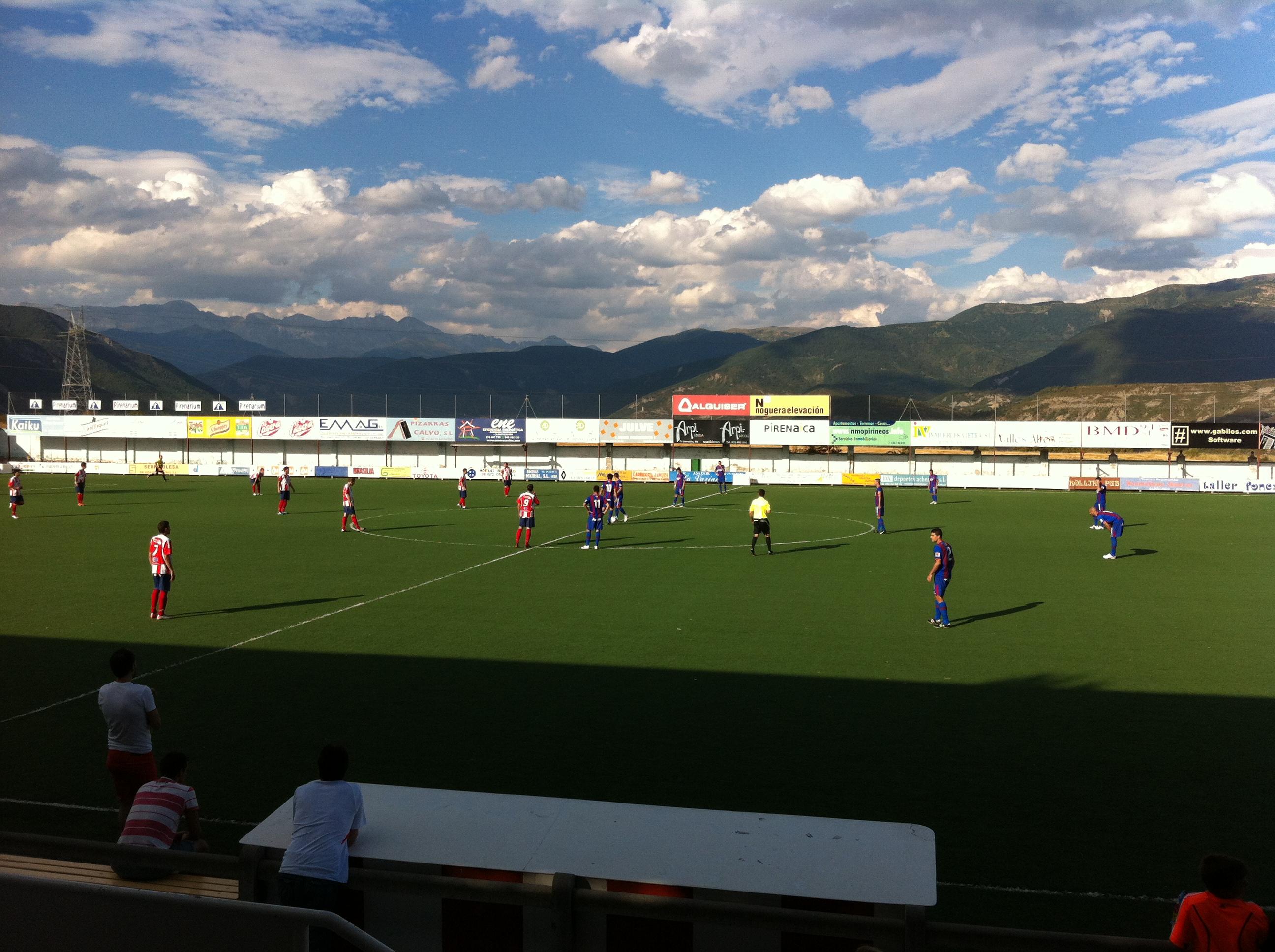 Empate a cero de la SD Huesca frente a la AD Sabiñánigo