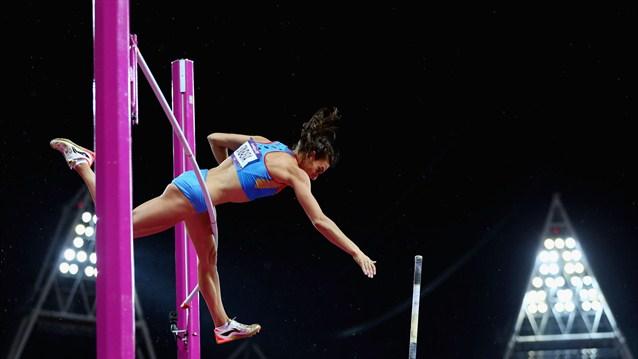 Isinbayeva pierde el trono de la pértiga y se lleva el bronce