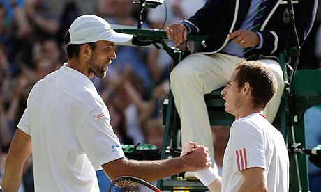 Murray comienza con victoria la defensa del título en Tokio