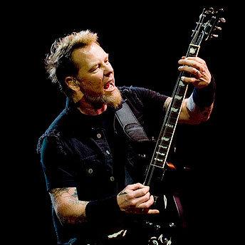 James Hetfield en una causa solidaria: crea pulseras con cuerdas de su guitarra
