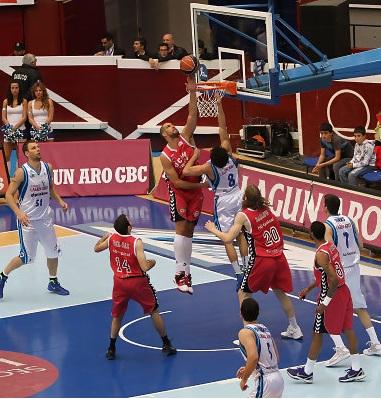 El UCAM Murcia da la sorpresa y vence  (67-71) en casa de Lagun Aro GBC