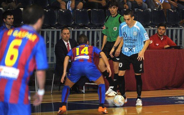 El Levante Dominicos exhibe su mejor pegada ante un flojo Futsal Cartagena