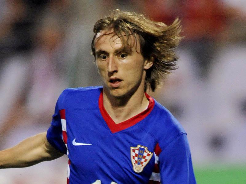 La afición se muestra cauta en @RealMadridVAVEL con el fichaje de Modric