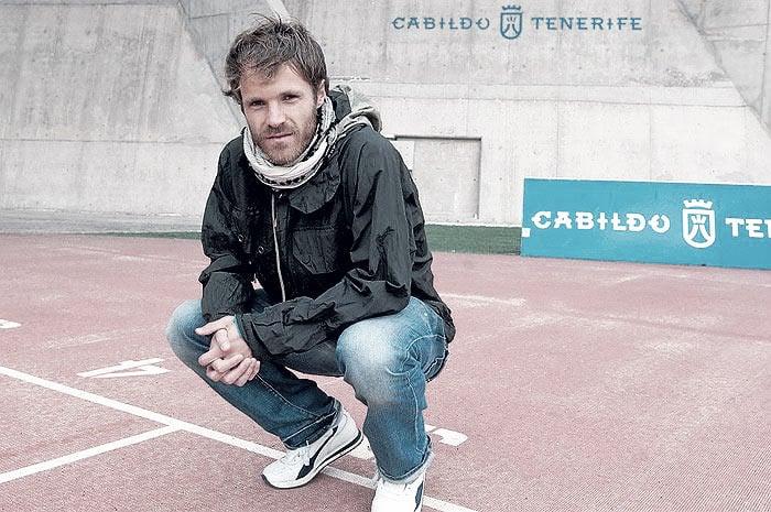 """Entrevista. Mikel Alonso: """"El futbolista no es un héroe, lo es quien ayuda en un centro de drogadictos"""""""
