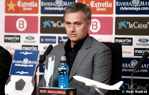 """Mourinho: """"Hay que seguir recortando al adversario directo"""""""