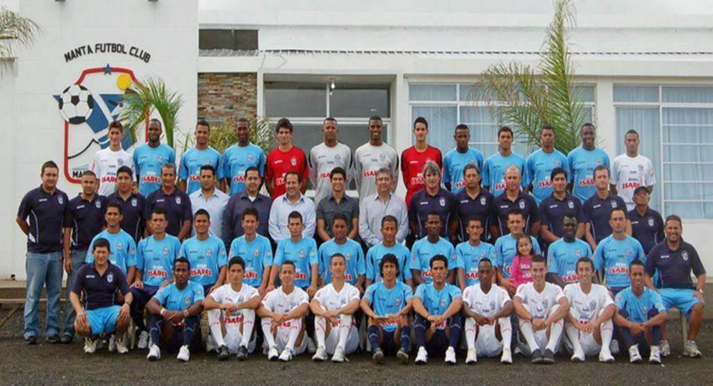 El plantel del Manta FC viajó a Lima