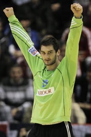 Croacia arrasa en su debut
